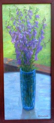 Колокольчики в синей вазе